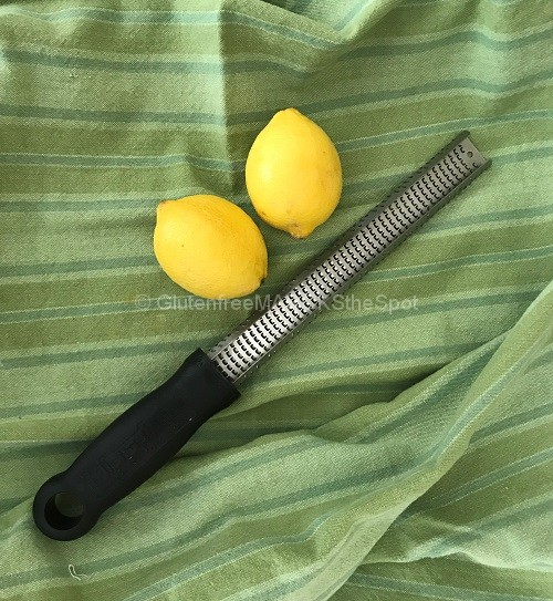 Lemon Zester with two lemons